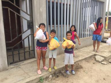 Kids with bags Trujillo